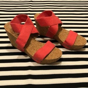 NWOT Lucky Brand Coral Marinah Cork Strappy Wedges